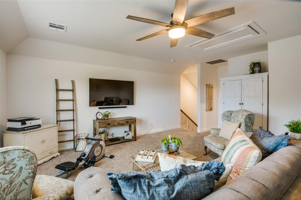 2805 Half Moon  Road, Aubrey, Texas 76227 - acquisto real estate best realtor foreclosure real estate mike shepeherd walnut grove realtor