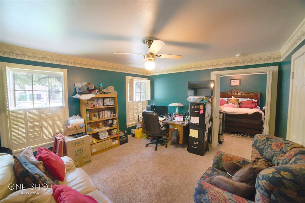 307 Hillcrest  Avenue, Eastland, Texas 76448 - acquisto real estate best realtor foreclosure real estate mike shepeherd walnut grove realtor