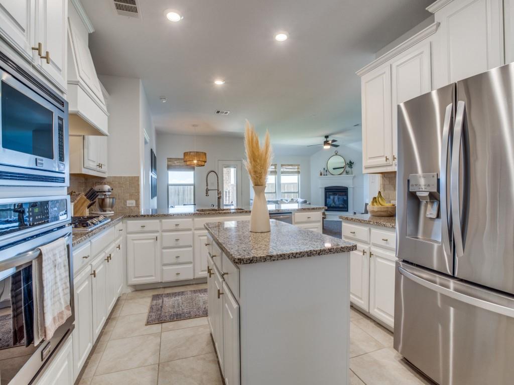 1020 Bluebird  Way, Celina, Texas 75009 - acquisto real estate best luxury buyers agent in texas shana acquisto inheritance realtor