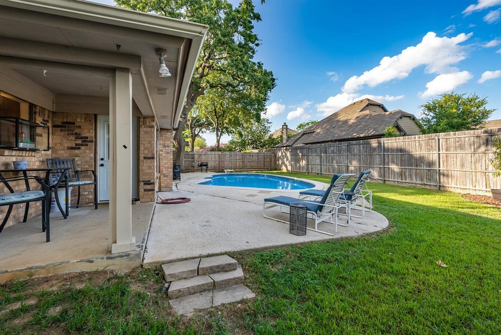 2732 Meadow Green  Bedford, Texas 76021 - acquisto real estate best realtor dfw jody daley liberty high school realtor