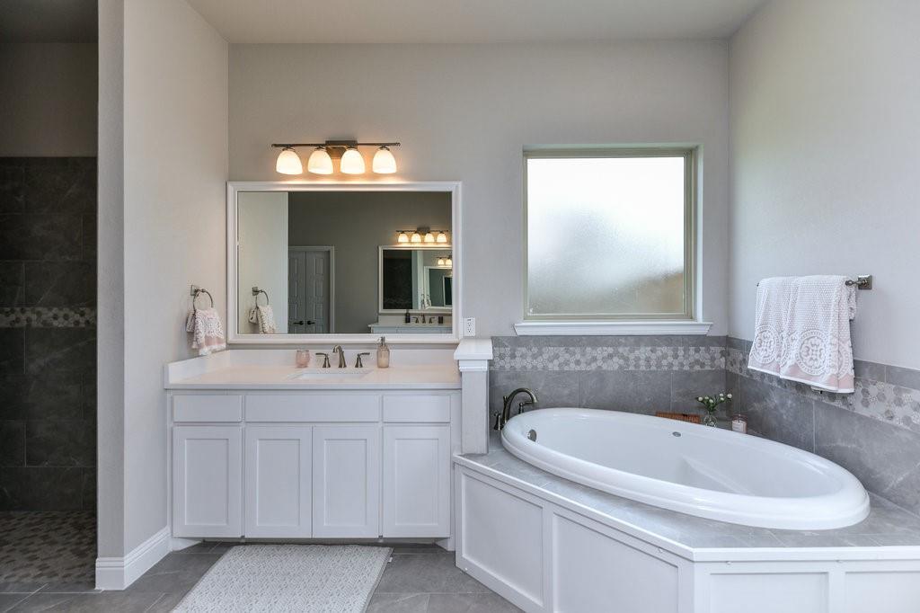 7901 KATHY ANN  Court, Arlington, Texas 76001 - acquisto real estate best realtor dallas texas linda miller agent for cultural buyers