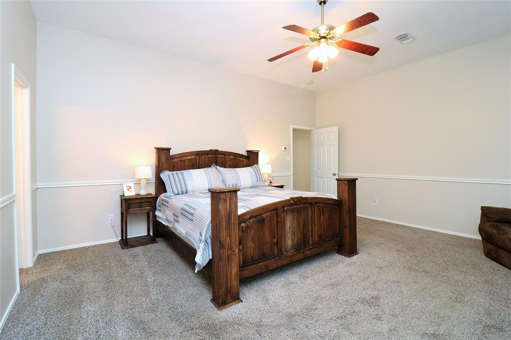 2208 Eden Green  Drive, Arlington, Texas 76001 - acquisto real estate best investor home specialist mike shepherd relocation expert
