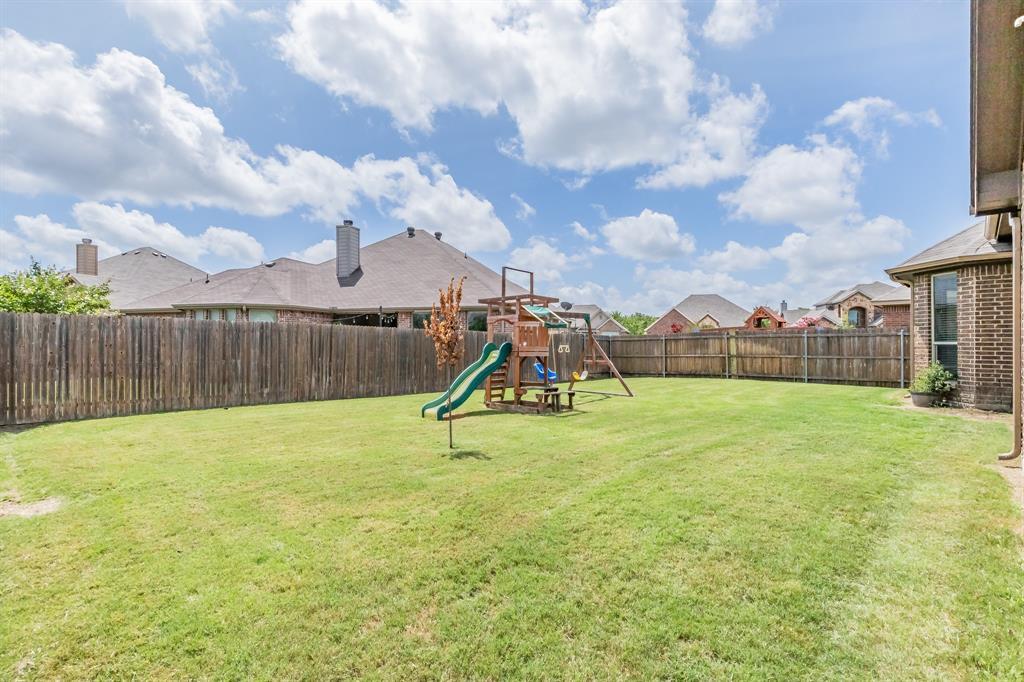 1204 Lantana  Lane, Burleson, Texas 76028 - acquisto real estate best real estate idx dilusso marketing mike acquisto
