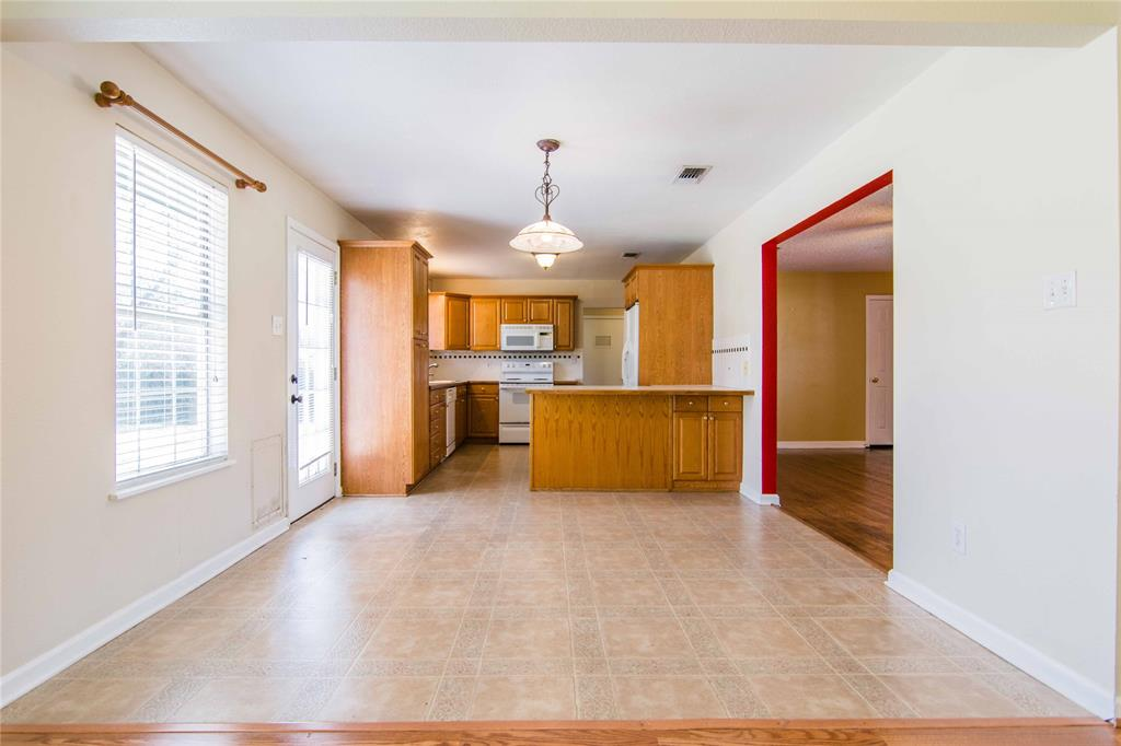 928 Dora  Street, Bedford, Texas 76022 - acquisto real estate best real estate company in frisco texas real estate showings