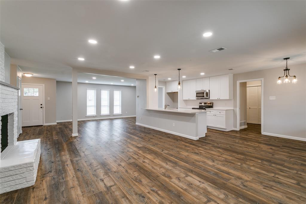 2108 Stonegate  Drive, Bedford, Texas 76021 - acquisto real estate best real estate company to work for