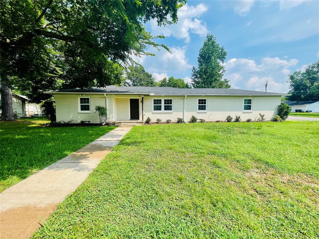 100 Laurel  Trail, Terrell, Texas 75160 - Acquisto Real Estate best frisco realtor Amy Gasperini 1031 exchange expert