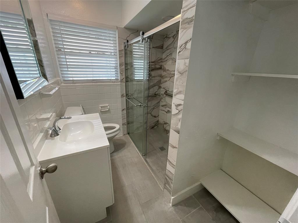 6423 Vanderbilt  Avenue, Dallas, Texas 75214 - acquisto real estate best real estate company to work for