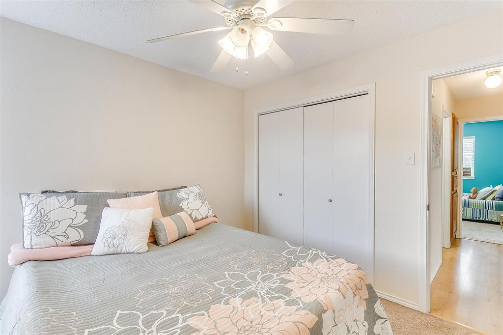 6028 Hillglen  Drive, Watauga, Texas 76148 - acquisto real estate best realtor westlake susan cancemi kind realtor of the year