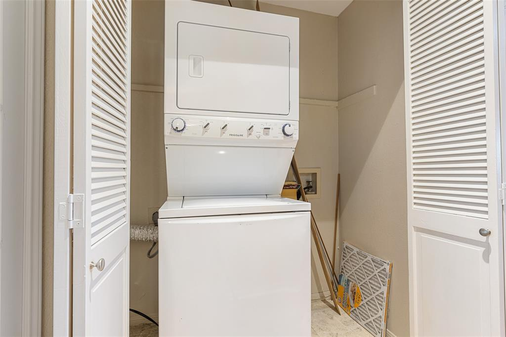 8600 Coppertowne  Lane, Dallas, Texas 75243 - acquisto real estate best designer and realtor hannah ewing kind realtor
