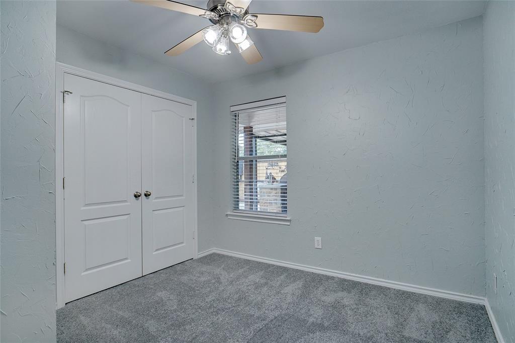 319 6th  Street, Justin, Texas 76247 - acquisto real estate best designer and realtor hannah ewing kind realtor