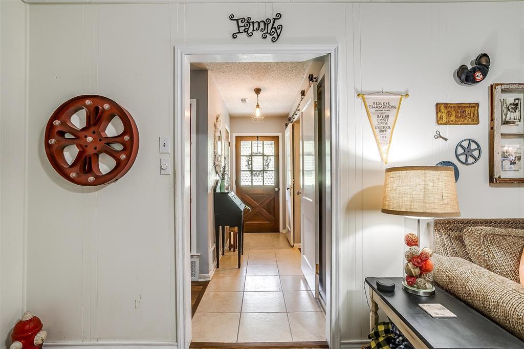 1010 Yvonne  Drive, Joshua, Texas 76058 - acquisto real estate best celina realtor logan lawrence best dressed realtor