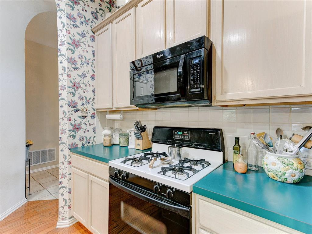 2830 Oakdale  Drive, Burleson, Texas 76028 - acquisto real estate best listing listing agent in texas shana acquisto rich person realtor