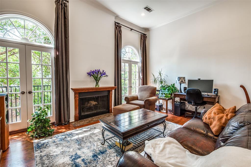 4519 Gilbert  Avenue, Dallas, Texas 75219 - acquisto real estate best prosper realtor susan cancemi windfarms realtor