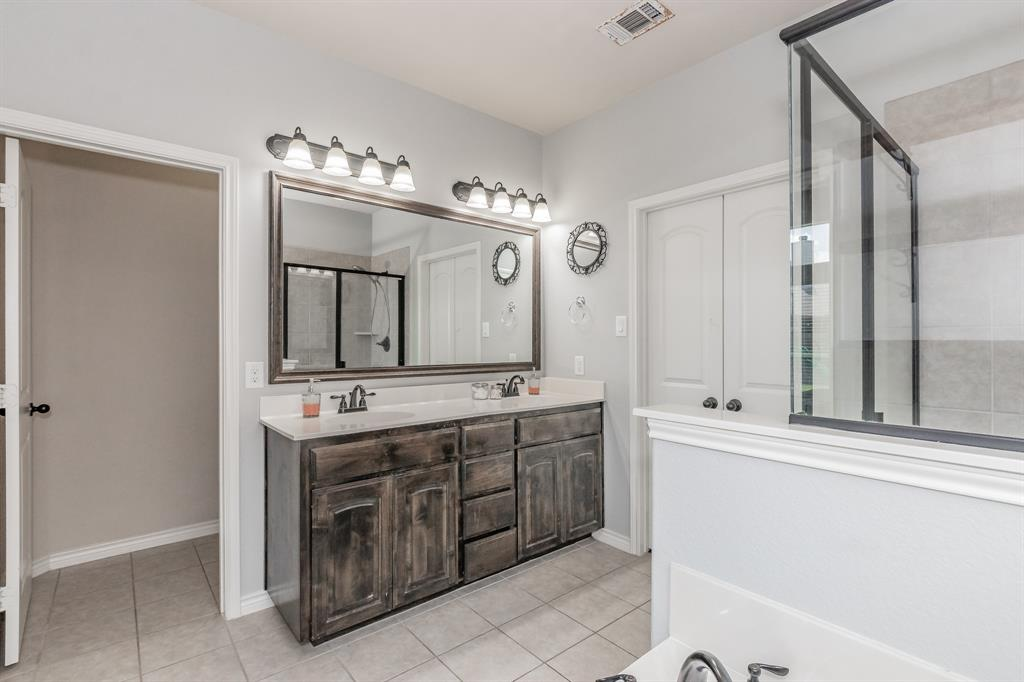 1204 Lantana  Lane, Burleson, Texas 76028 - acquisto real estate best realtor foreclosure real estate mike shepeherd walnut grove realtor