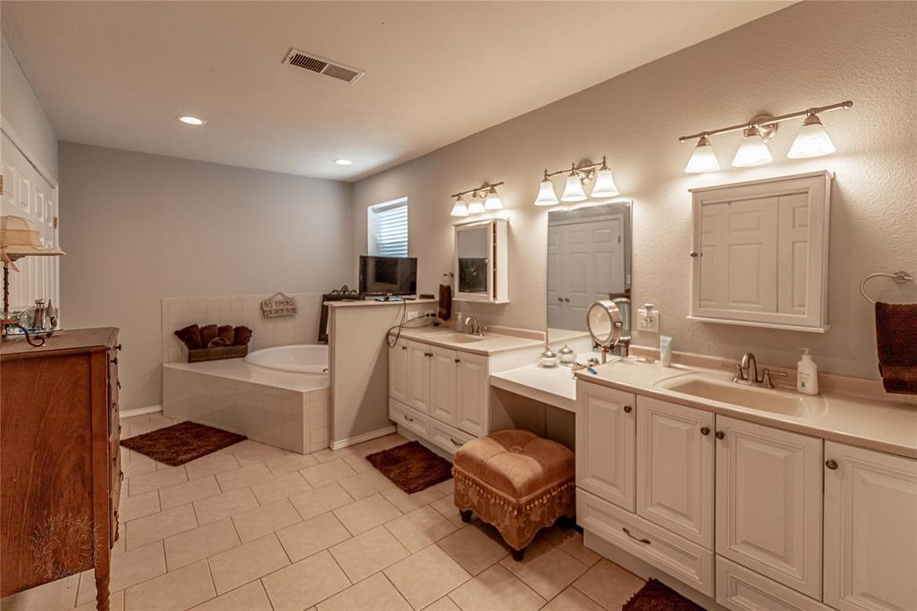 5604 Westview  Court, Tolar, Texas 76476 - Acquisto Real Estate best frisco realtor Amy Gasperini 1031 exchange expert