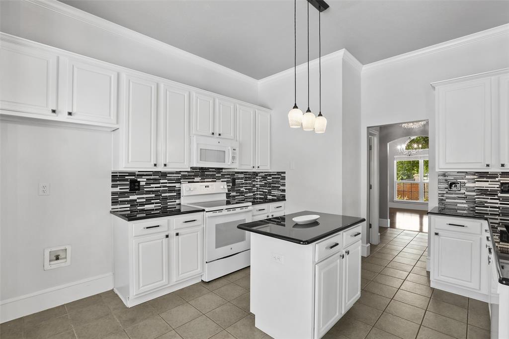 2353 Leafy Glen  Court, Bedford, Texas 76022 - acquisto real estate best prosper realtor susan cancemi windfarms realtor