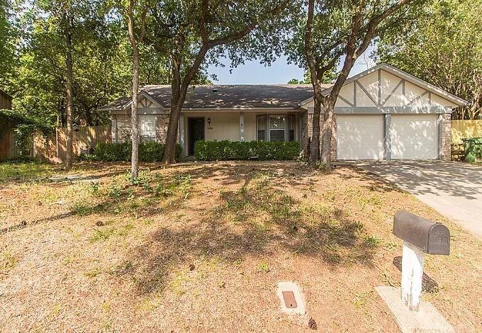 2806 Colleen  Drive, Arlington, Texas 76016 - Acquisto Real Estate best frisco realtor Amy Gasperini 1031 exchange expert