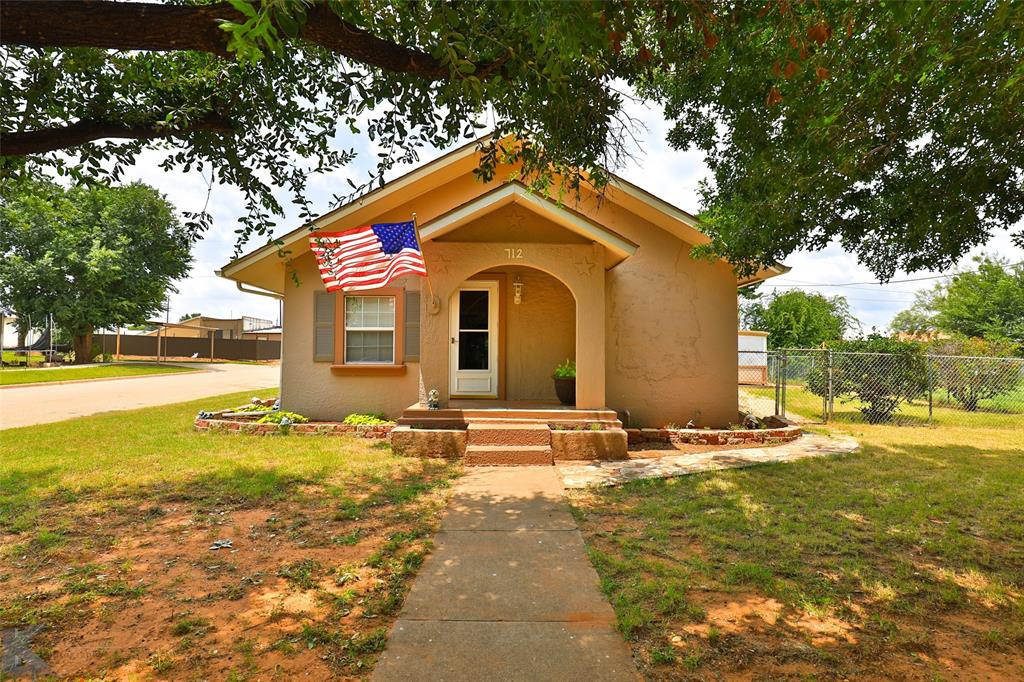 712 Lubbock  Street, Sweetwater, Texas 79556 - Acquisto Real Estate best frisco realtor Amy Gasperini 1031 exchange expert