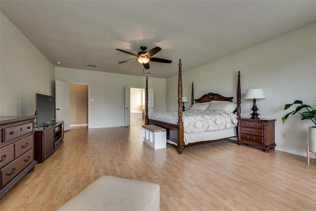 1205 Lone Star  Boulevard, Talty, Texas 75160 - acquisto real estate agent of the year mike shepherd