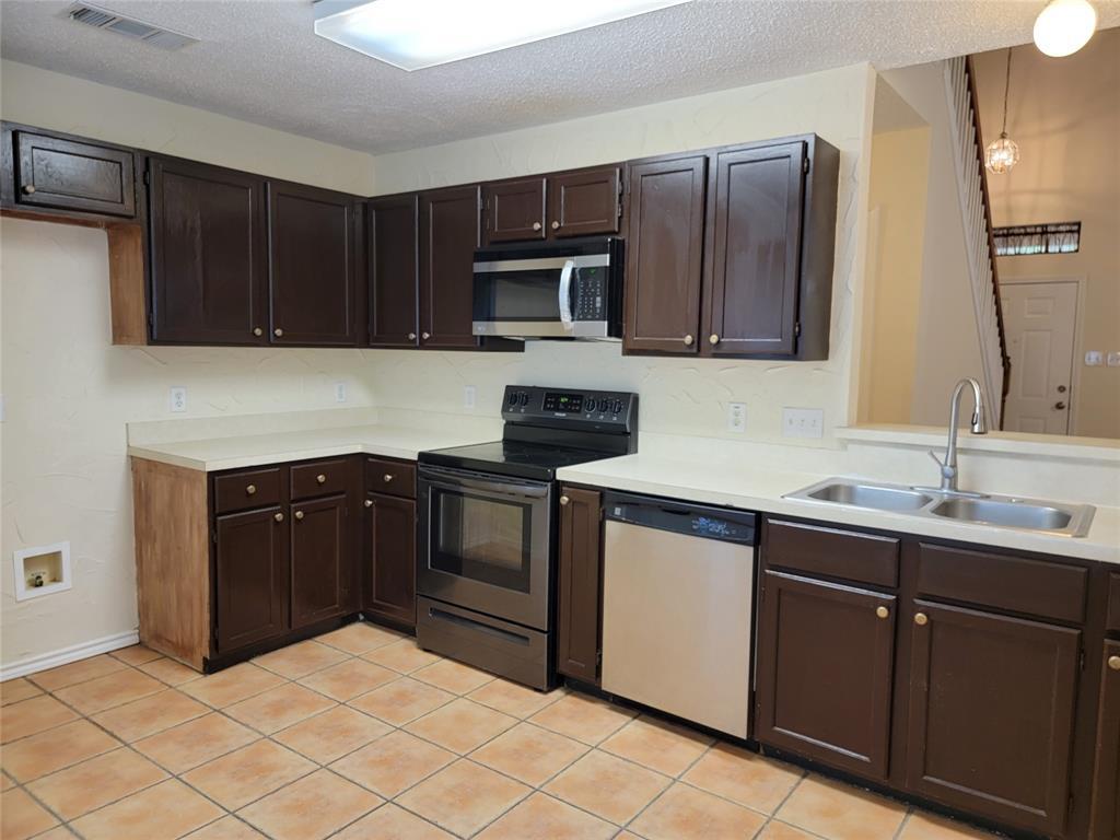 6036 Maple Leaf  Drive, Arlington, Texas 76017 - acquisto real estate best prosper realtor susan cancemi windfarms realtor