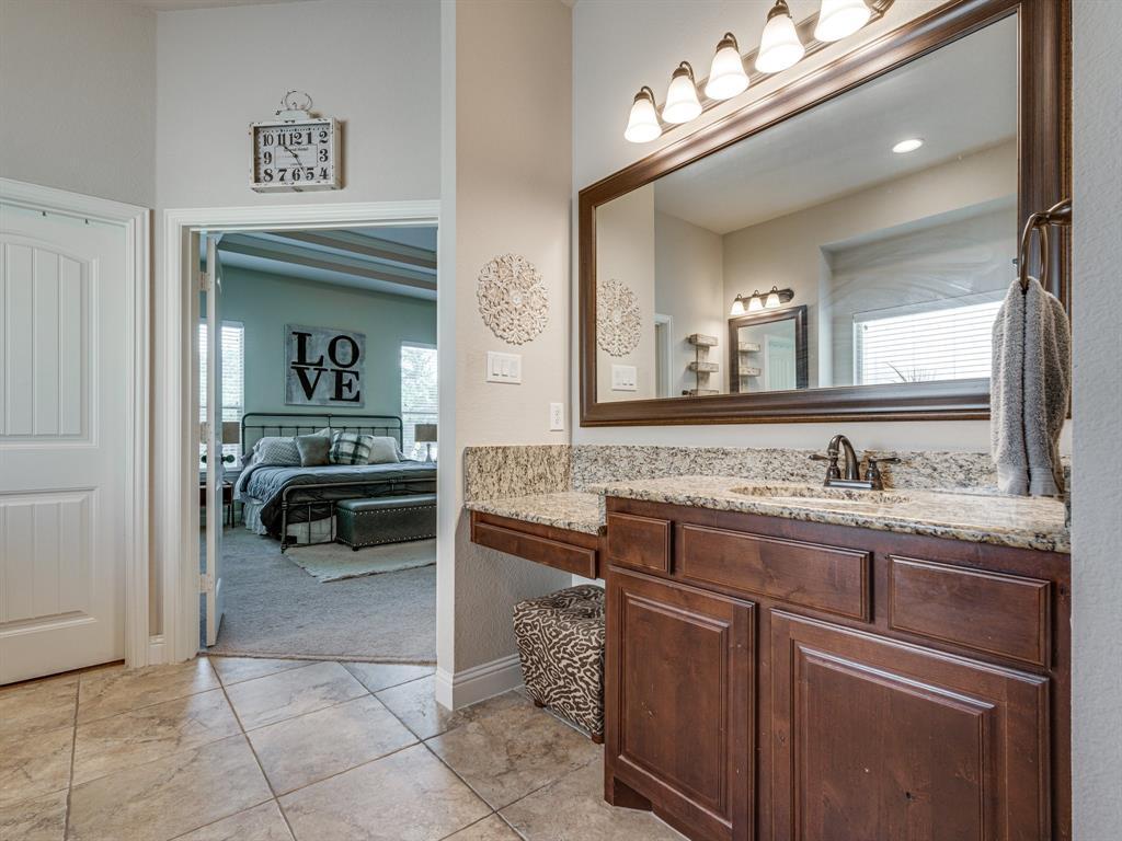 409 Hillstone  Drive, Midlothian, Texas 76065 - acquisto real estate best plano real estate agent mike shepherd
