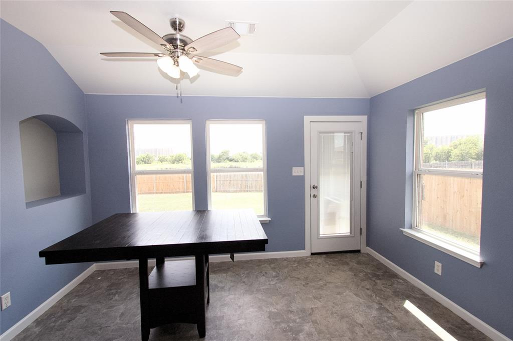 621 Sparrow  Drive, Saginaw, Texas 76131 - acquisto real estate best investor home specialist mike shepherd relocation expert