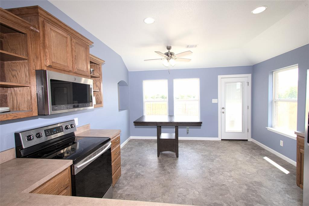 621 Sparrow  Drive, Saginaw, Texas 76131 - acquisto real estate best luxury buyers agent in texas shana acquisto inheritance realtor