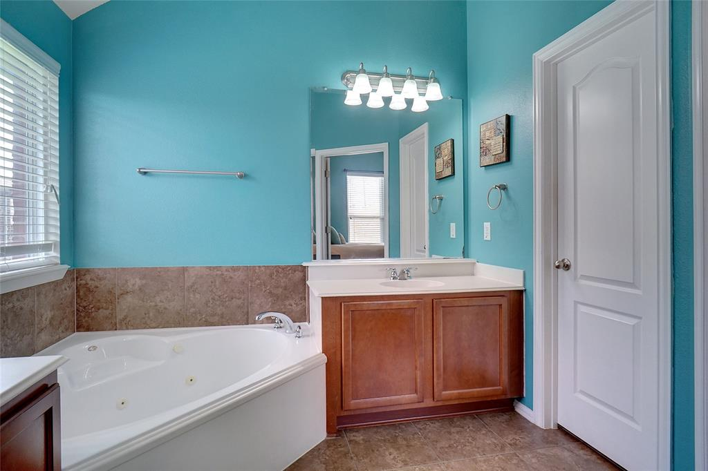 4013 Bonita  Avenue, Denton, Texas 76210 - acquisto real estaet best boutique real estate firm in texas for high net worth sellers