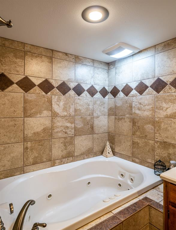 221 Sunrise  Court, Palmer, Texas 75152 - acquisto real estate best frisco real estate broker in texas for high net worth buyers