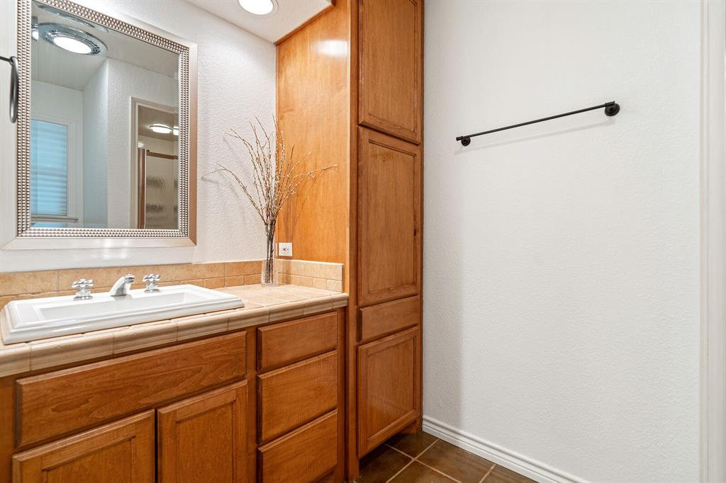 4 Sandy  Lane, Teague, Texas 75860 - acquisto real estate best designer and realtor hannah ewing kind realtor