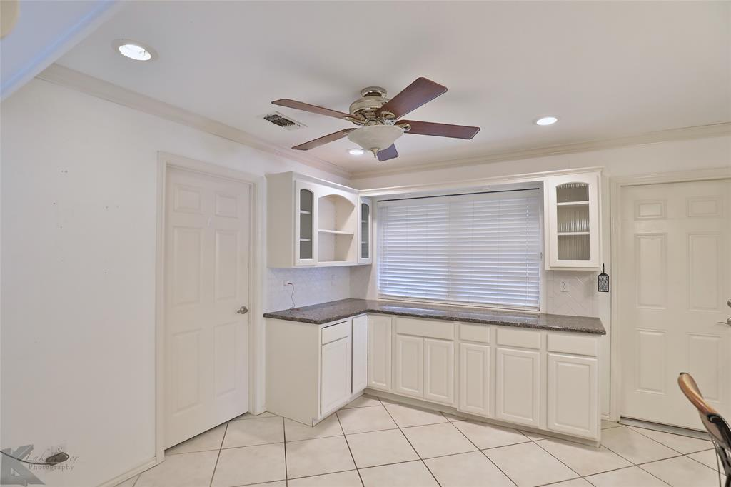 1600 Kiowa  Drive, Big Spring, Texas 79720 - acquisto real estate best real estate company to work for
