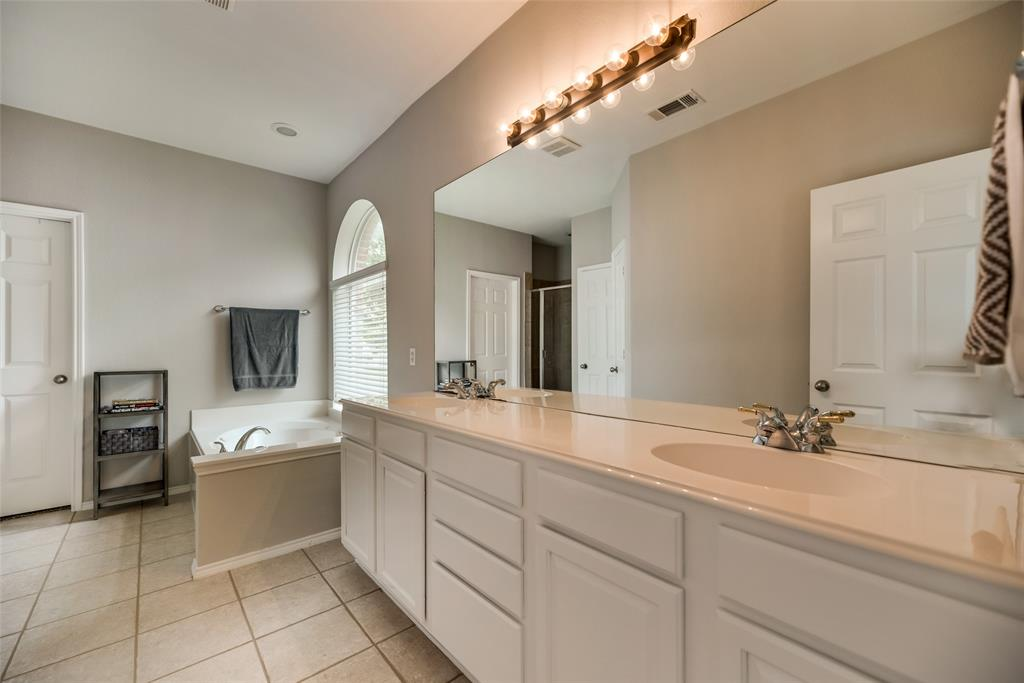 2077 Sleepy Hollow  Trail, Frisco, Texas 75033 - acquisto real estate best investor home specialist mike shepherd relocation expert