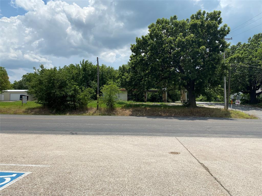 105 Branch  Street, Bells, Texas 75414 - Acquisto Real Estate best frisco realtor Amy Gasperini 1031 exchange expert