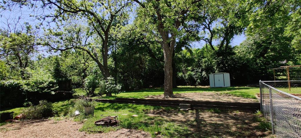 411 Bradley  Street, Denton, Texas 76201 - acquisto real estate best frisco real estate agent amy gasperini panther creek realtor