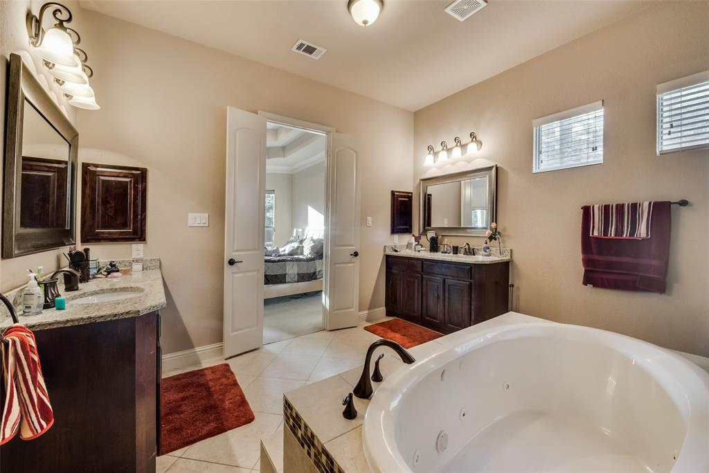 2712 Portside  Drive, Grand Prairie, Texas 75054 - acquisto real estaet best boutique real estate firm in texas for high net worth sellers