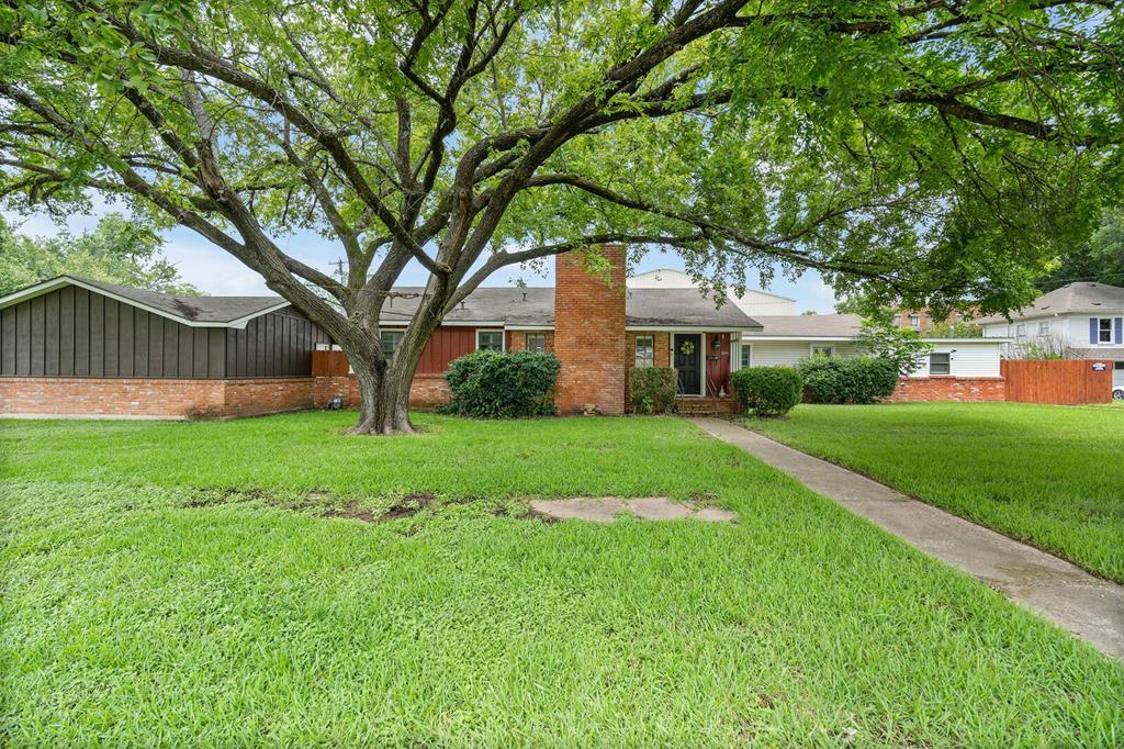 309 2nd  Street, Wortham, Texas 76693 - Acquisto Real Estate best frisco realtor Amy Gasperini 1031 exchange expert