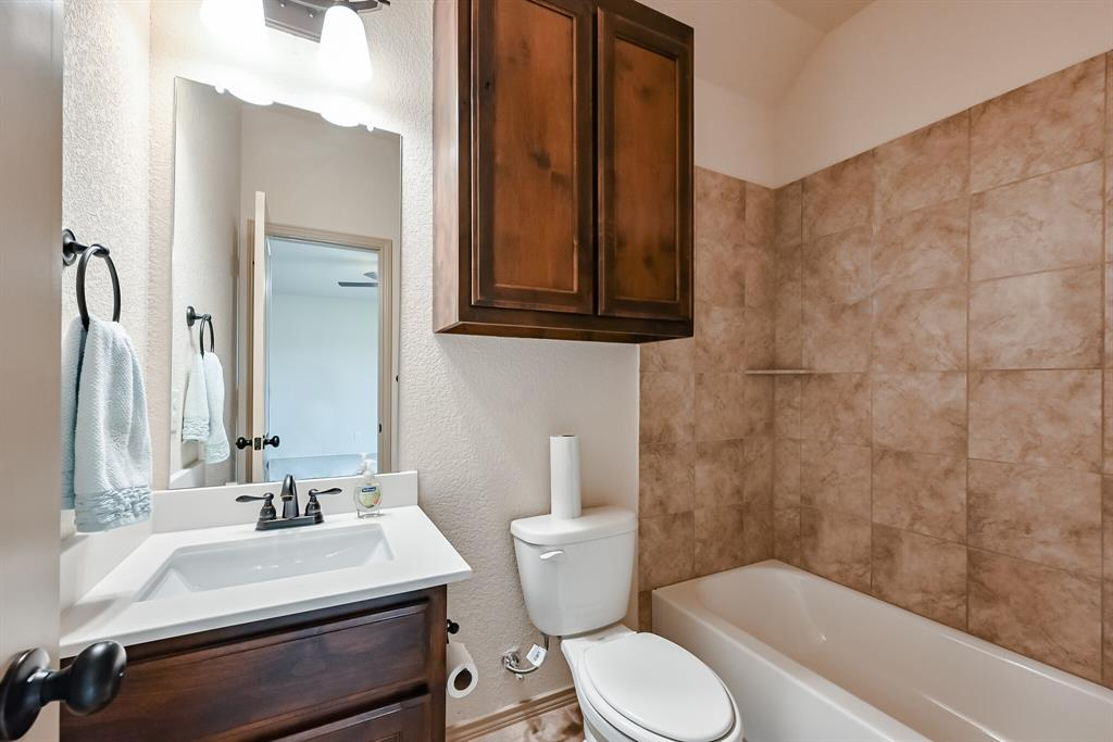 3016 Capital Hill  Drive, Burleson, Texas 76028 - acquisto real estate best realtor foreclosure real estate mike shepeherd walnut grove realtor