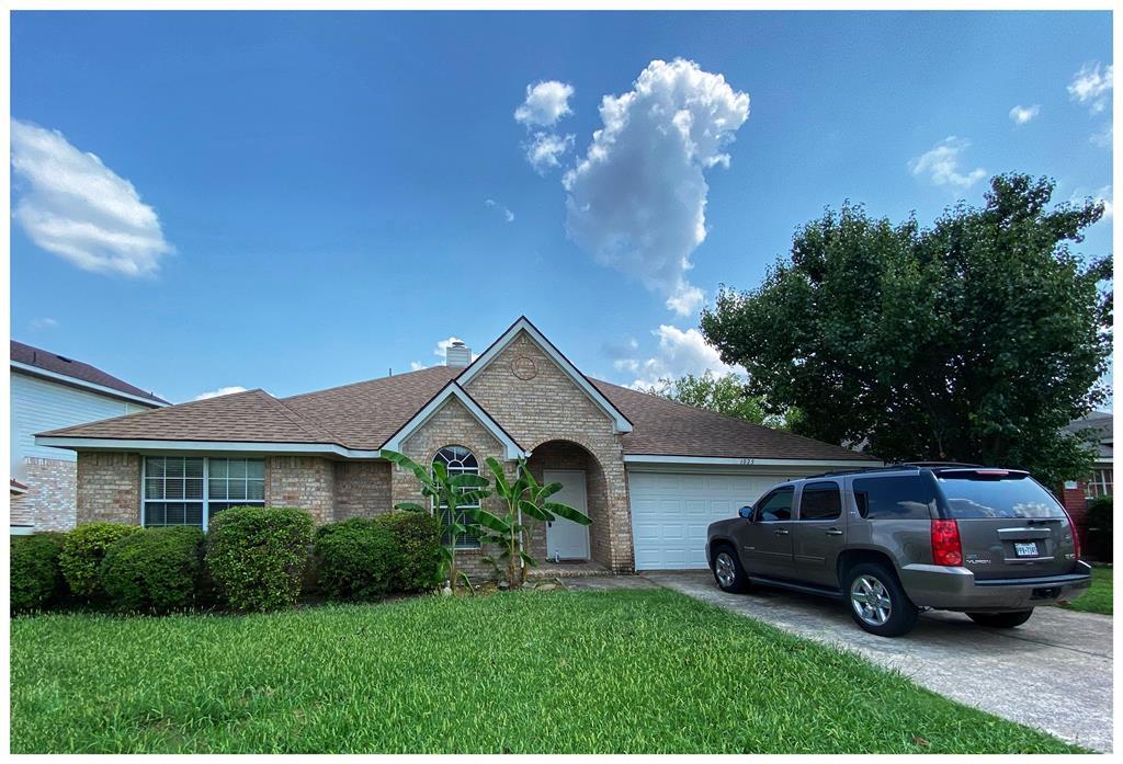 1025 Ridgecrest  Drive, McKinney, Texas 75069 - Acquisto Real Estate best frisco realtor Amy Gasperini 1031 exchange expert