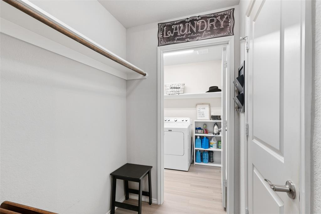 4014 Kensington  Drive, Sanger, Texas 76266 - acquisto real estate best plano real estate agent mike shepherd