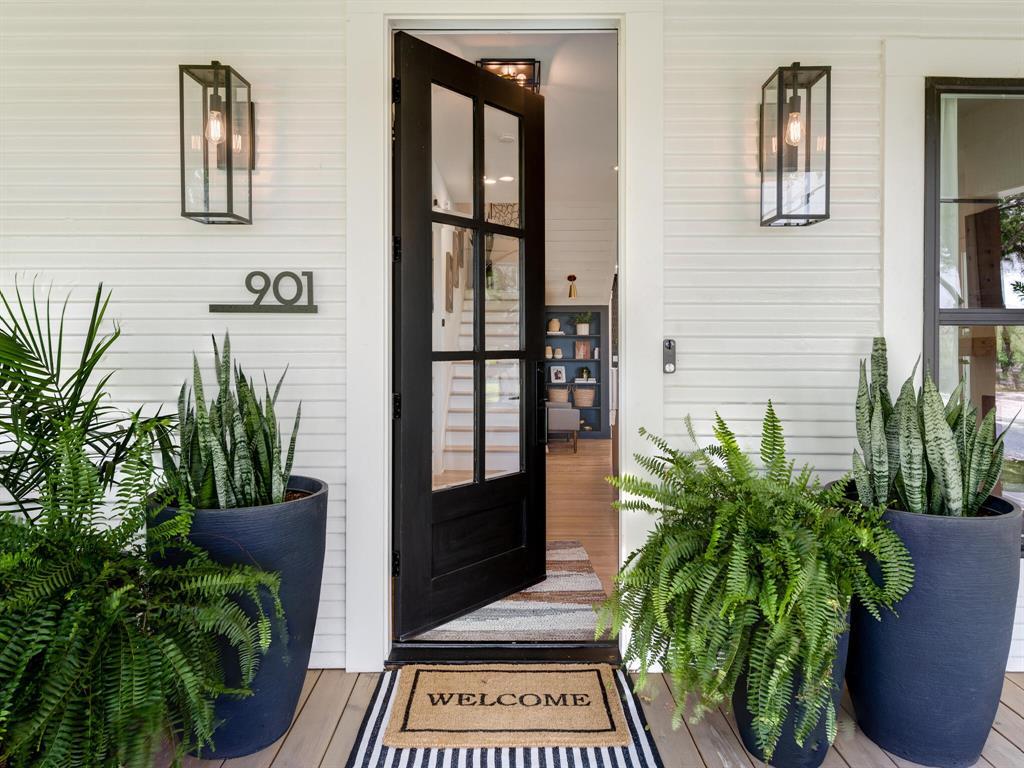 901 Debbie  Lane, Pilot Point, Texas 76258 - acquisto real estate best prosper realtor susan cancemi windfarms realtor