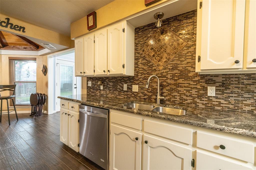 802 Glenn  Drive, Euless, Texas 76039 - acquisto real estate best designer and realtor hannah ewing kind realtor