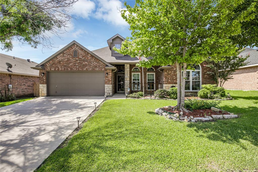905 Canterbury  Drive, Saginaw, Texas 76179 - Acquisto Real Estate best plano realtor mike Shepherd home owners association expert