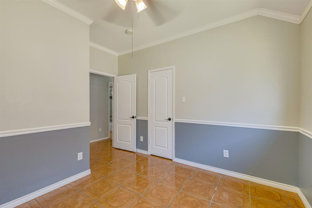 401 Watertown  Lane, Arlington, Texas 76002 - acquisto real estate best realtor dfw jody daley liberty high school realtor