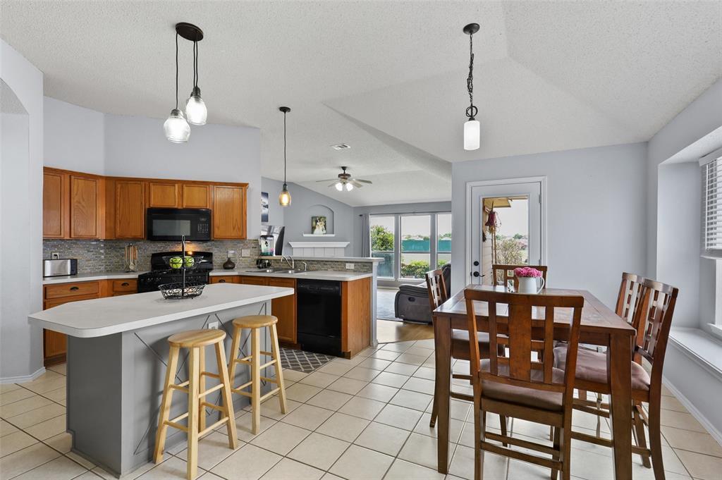 5601 Seafield  Lane, Fort Worth, Texas 76135 - acquisto real estate best luxury buyers agent in texas shana acquisto inheritance realtor