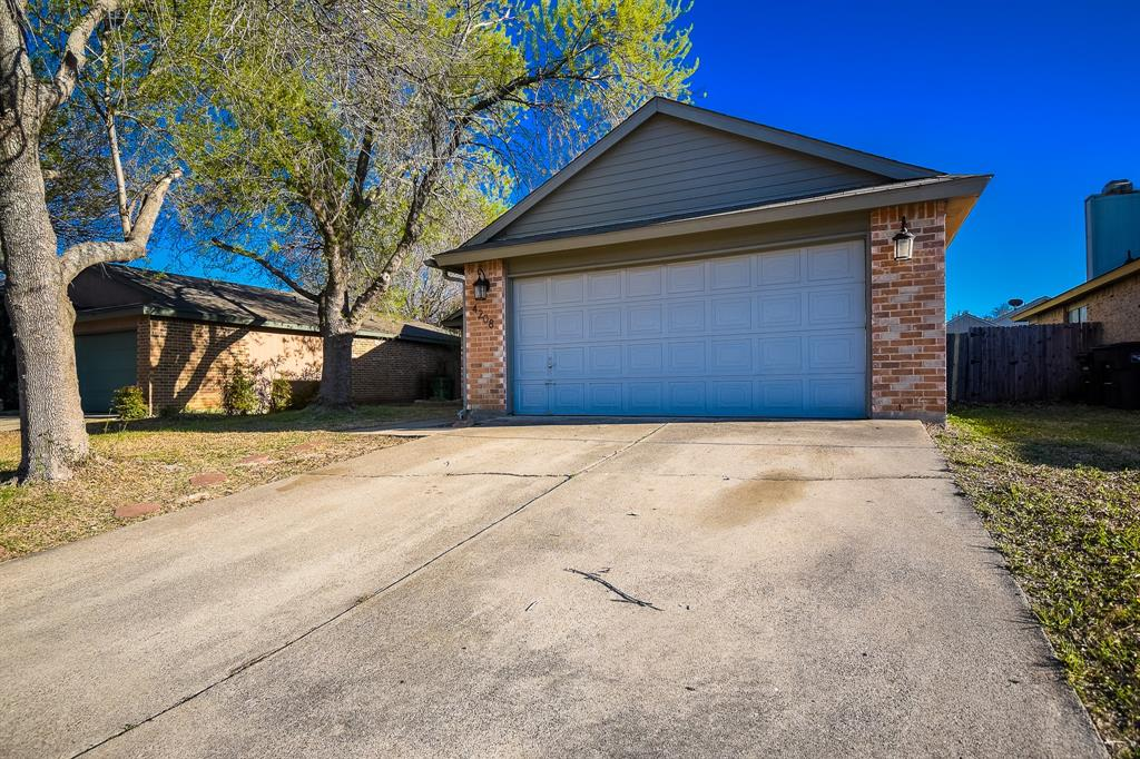 4208 Staghorn  Circle, Fort Worth, Texas 76137 - Acquisto Real Estate best frisco realtor Amy Gasperini 1031 exchange expert