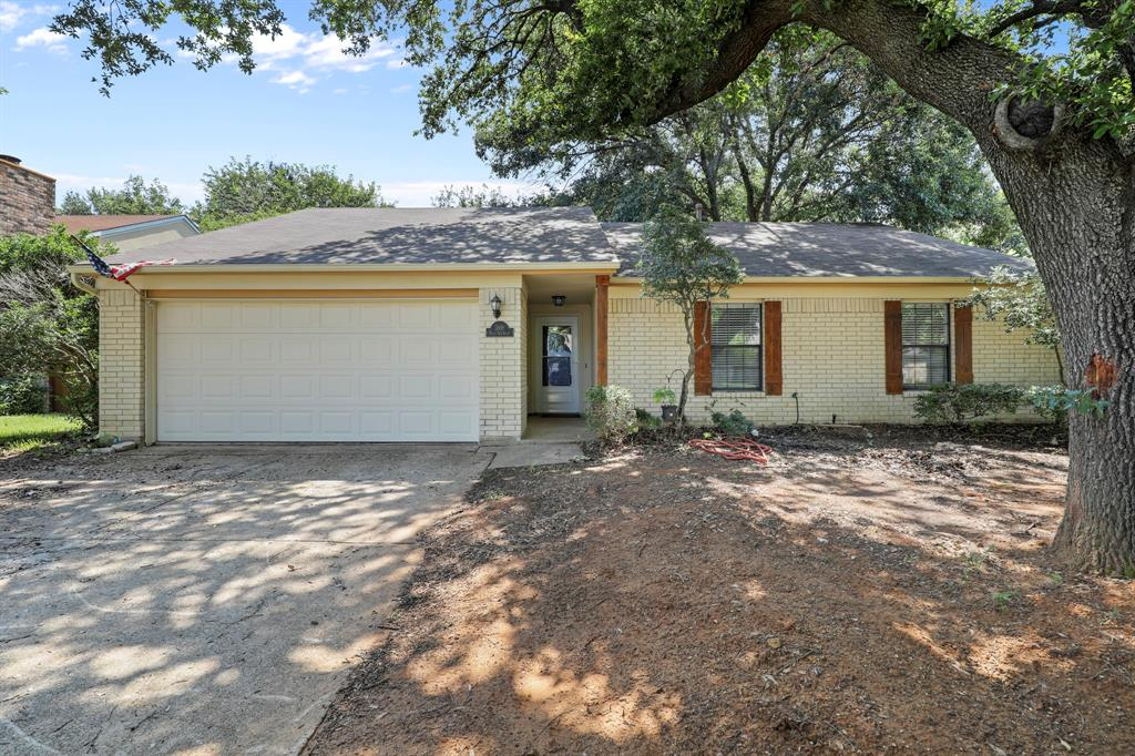 3918 White Oak  Court, Flower Mound, Texas 75028 - Acquisto Real Estate best plano realtor mike Shepherd home owners association expert