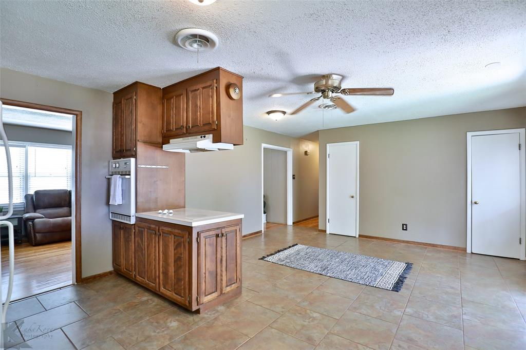 1402 Glenhaven  Drive, Abilene, Texas 79603 - acquisto real estate best style realtor kim miller best real estate reviews dfw