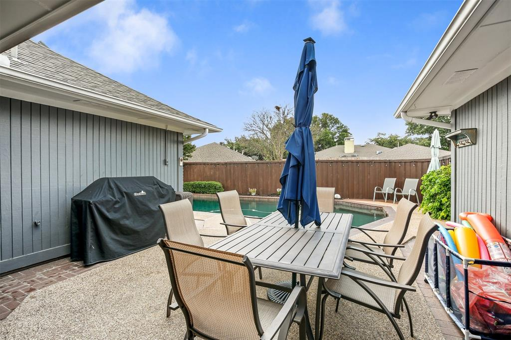 6530 La Manga  Drive, Dallas, Texas 75248 - acquisto real estate best park cities realtor kim miller best staging agent