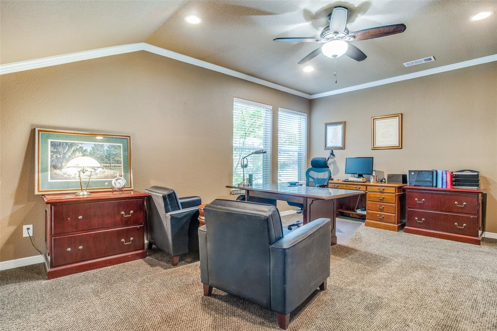 1732 Glenlivet  Drive, Dallas, Texas 75218 - acquisto real estate best realtor dfw jody daley liberty high school realtor