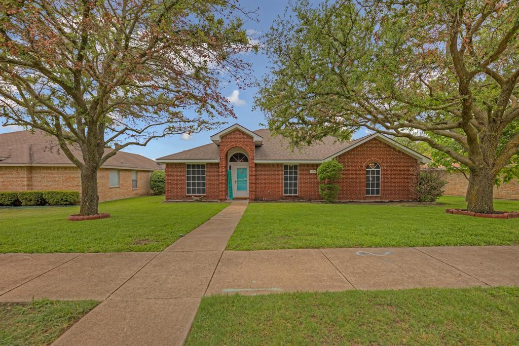 1639 High Pointe  Lane, Cedar Hill, Texas 75104 - Acquisto Real Estate best frisco realtor Amy Gasperini 1031 exchange expert